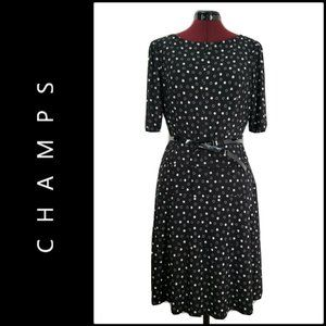 Champs Woman Short Sleeve Fit & Flare Dress Large